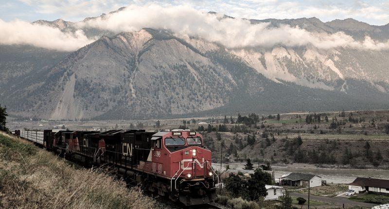 CN (TSX:CNR) sets new record to start 2021