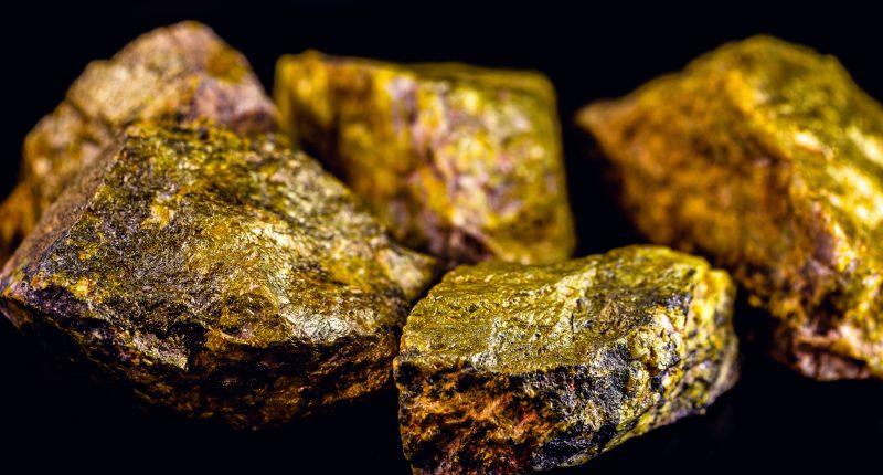 Western Uranium and Vanadium (CSE:WUC) acquires natural uranium concentrate