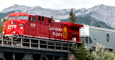 Canadian Pacific (TSX:CP) submits new proposal to combine with Kansas City Southern
